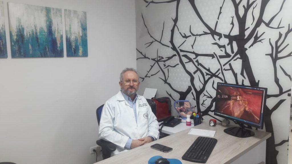 Endogine-Dr Carlos Buitrago-Consulta ginecológica